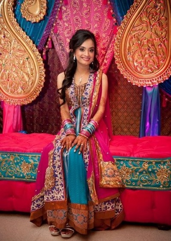 0e4047ed8ad6 Trends Of Mehndi Dresses For Women 2014 1