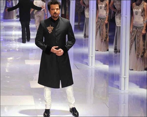 Trends of Black Sherwani 2014 For Pakistani Groom 11