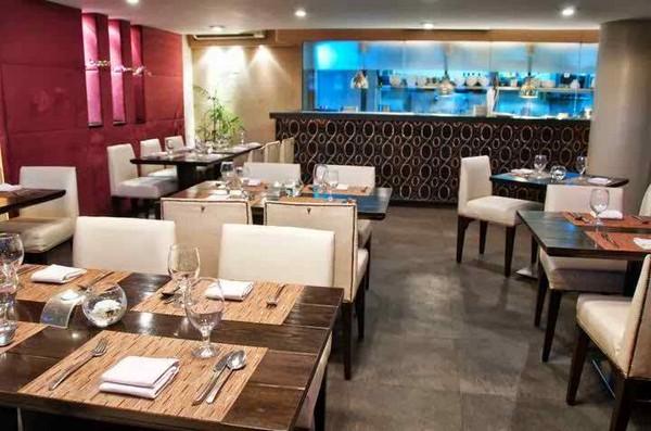 5 Famous Restaurants In Karachi Fuchsia