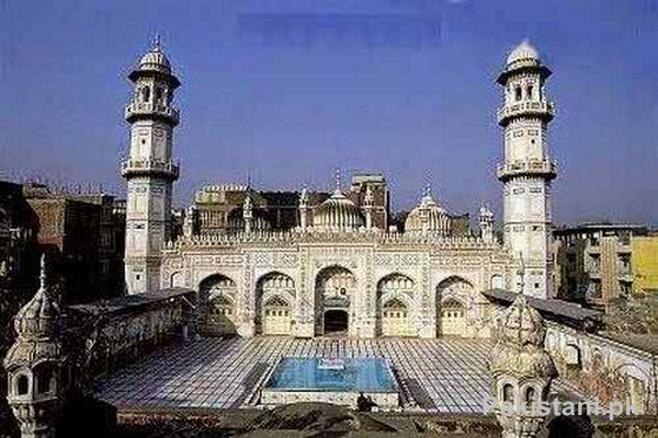 10 Popular Mosques In Pakistan - Mahabat Khan Mosque - Peshawar