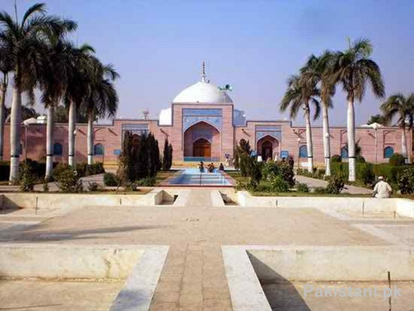 10 Popular Mosques In Pakistan - Shah Jahan Mosque - Thatta