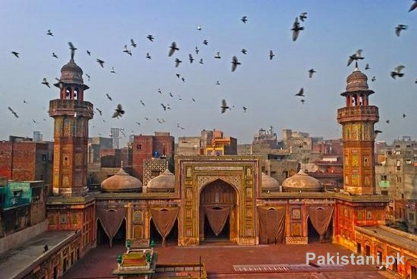 10 Popular Mosques In Pakistan - Wazir Khan Mosque - Lahore