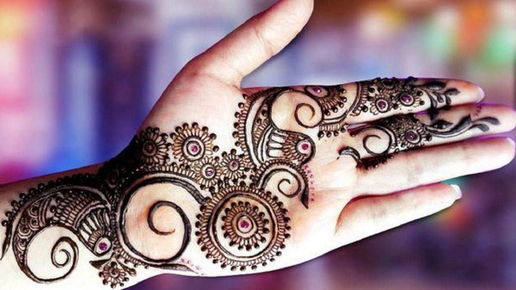 25 Beautiful Mehndi Designs for Beginners