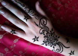 arabic floral patter mehndi design