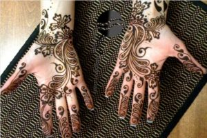 flower and leaf pattern mehndi design