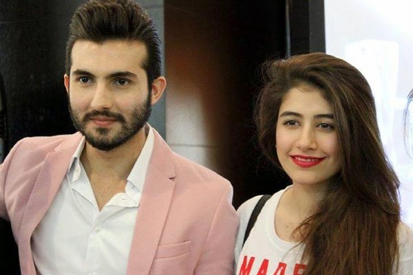 Top 10 Pakistani Actors With Their Wives