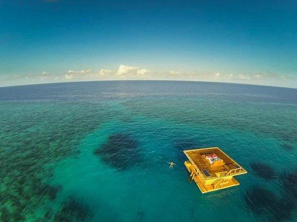 10-beautiful-underwater-hotels-in-the-world-manta-resort-underwater-hotel-tanzania