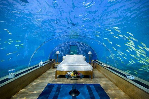 10-beautiful-underwater-hotels-in-the-world-ocean-suites-sentosa-resorts-singapore