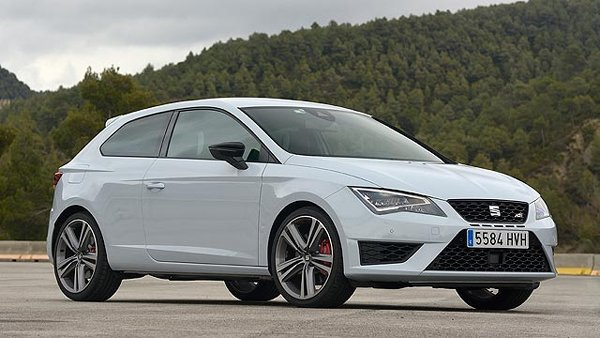 10 Best Hatchbacks Cars In The World With Prices-Seat Leon Cupra Hatchback