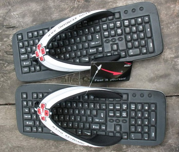 20 Most Funny Photos Ever Seen On Internet - Keyboard In The Foot