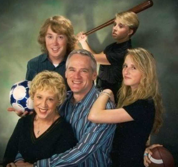 20 Most Funny Photos Ever Seen On Internet - Ready to Hit The Football