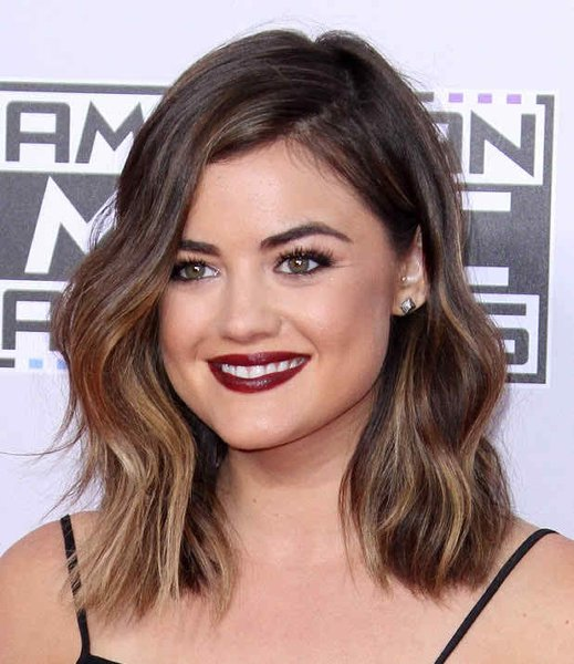 25 Simple Long Bob Hairstyles Which You Can Do Yourself-Flawless Smooth Shoulder Skimming Bob