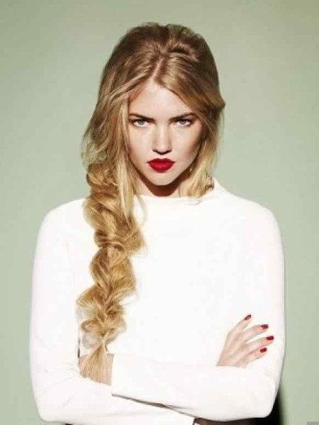 50 Simple Curly Hairstyles You Can Do In 10-Minutes-Loose Braid Hairstyle