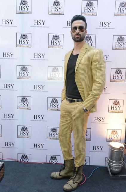 Top 10 Pakistani Male Models – Athar Amin
