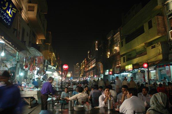 10 Famous Restaurants In Lahore-Food Street Anarkali