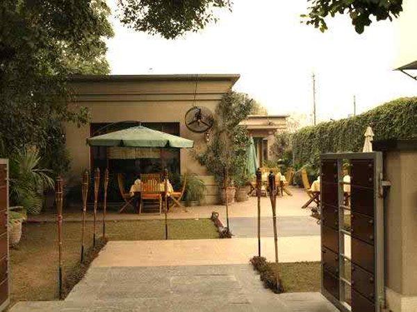 10 Famous Restaurants In Lahore-Tiramisu