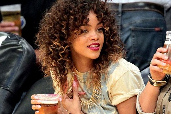 12 Best Rihanna Hairstyles She Has Had Till Now-Brown Ombre with Spiral Curls