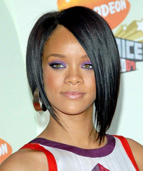 12 Best Rihanna Hairstyles She Has Had Till Now-Short Neck Length Bob Hairstyle