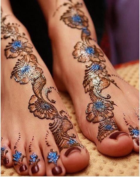 20 Simple Mehndi Designs For Feet - Pakistani.PK