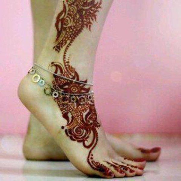 20 Simple Mehndi Designs For Feet-Red Floral Mehndi Design