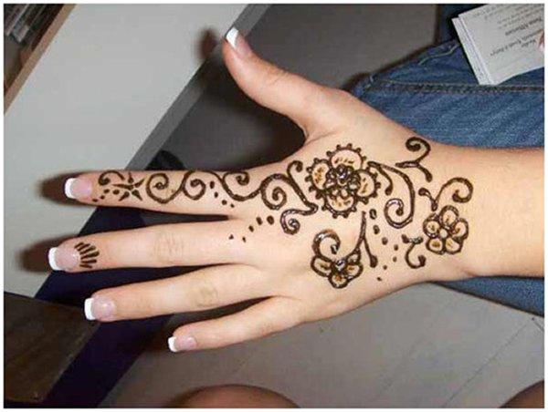 20 Simple Mehndi Designs For Hands-Small Simple Mehndi Pattern Design