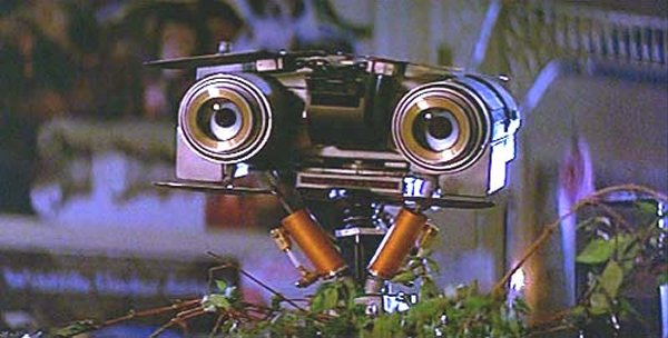 10 Famous Robots Ever Seen In Movies-Johnny-5, Short Circuit
