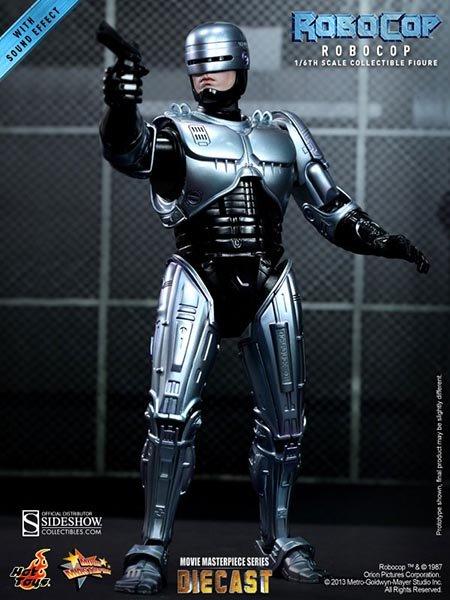 10 Famous Robots Ever Seen In Movies-Robocop, RoboCop