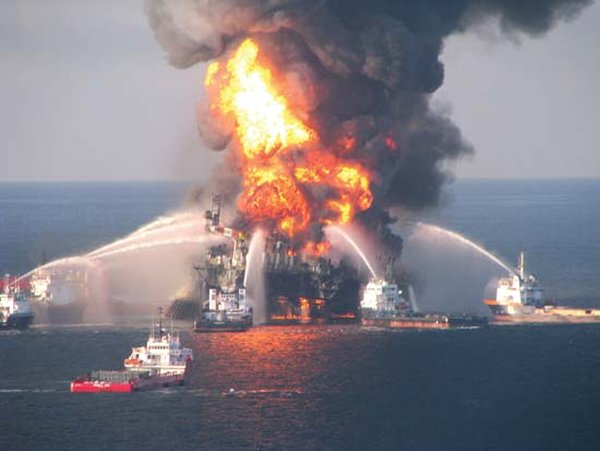 10-most-horrific-man-made-disasters-in-history-eye-catching-deep-water-horizon-bp-oil-spill-disaster