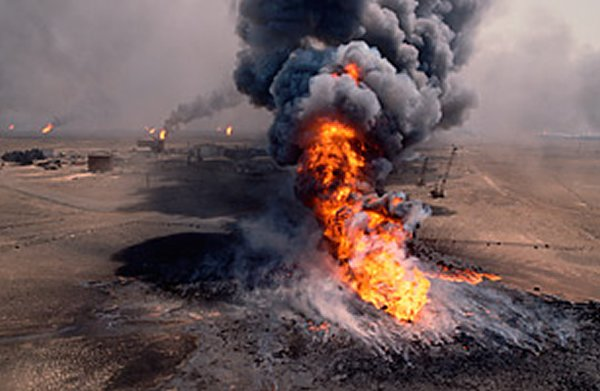 10-most-horrific-man-made-disasters-in-history-surprising-the-kuwait-oil-fires-disaster