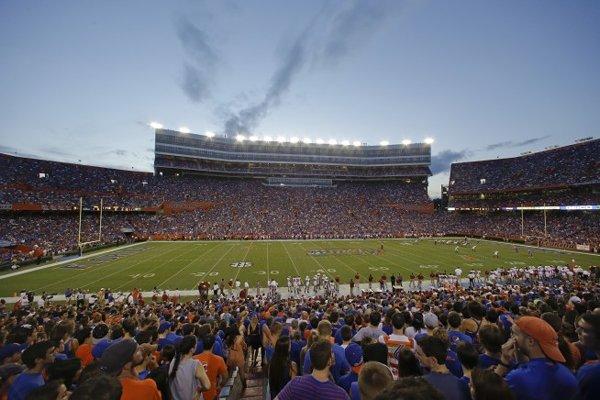 10-most-loudest-college-football-stadiums-ben-hill-griffin-stadium