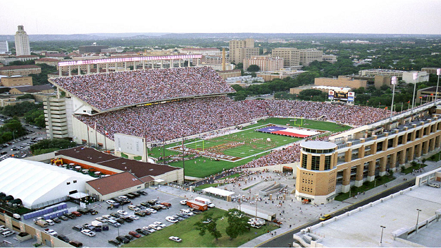 10-most-loudest-college-football-stadiums-texas-memorial-stadium
