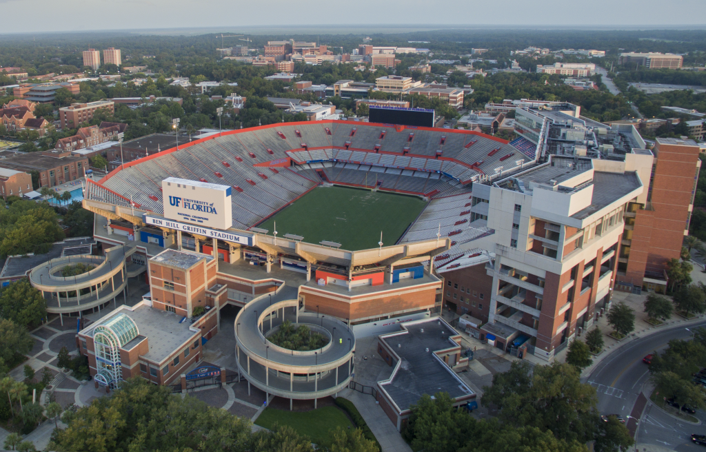 10-most-loudest-college-football-stadiums-the-swamp