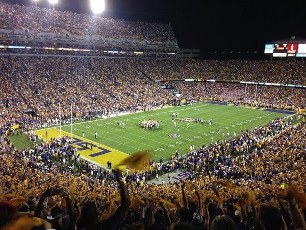 10-most-loudest-college-football-stadiums-tiger-stadium