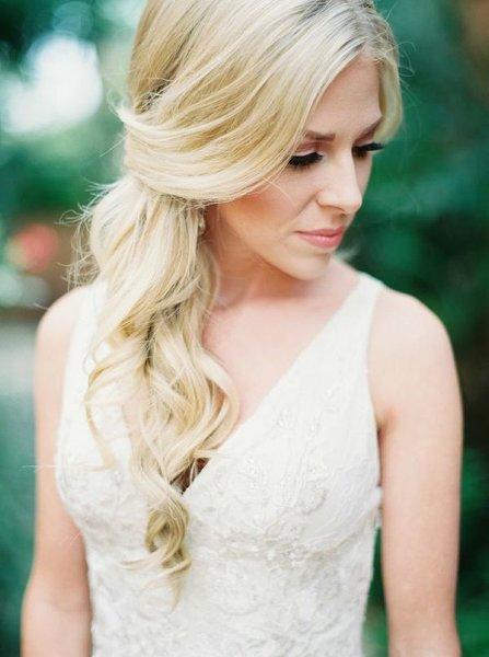 12 Summer Bridal HairStyles For Women-Pretty Soft Curls Hairtyle
