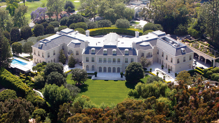 10 Beautiful and Huge Mansions In The World