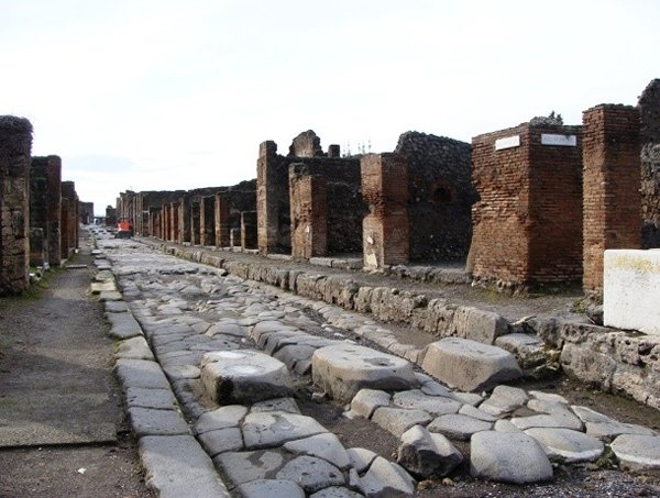10 Incredible Pompeii Facts You Should Know-Area Of 150 Acres