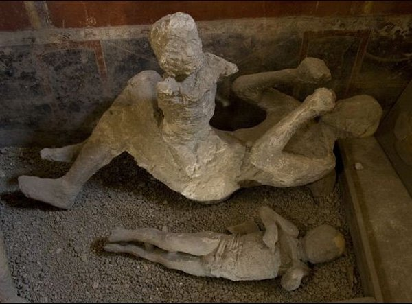 10 Incredible Pompeii Facts You Should Know-Manufactured Of 1000 Casts