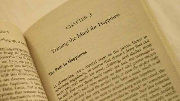 Top 10 Best Nonfiction Books Of All Time-The Art of Happiness by Dalai Lama