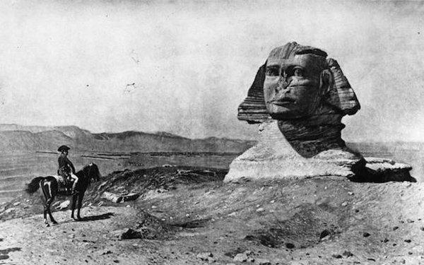 Top 10 Incredible Facts About Napoleon Bonaparte-Napoleon Bonaparte Army Discovered Rosetta Stone