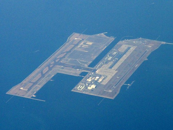 Top 10 Most Dangerous Airports In The World-Kansai International Airport, Japan