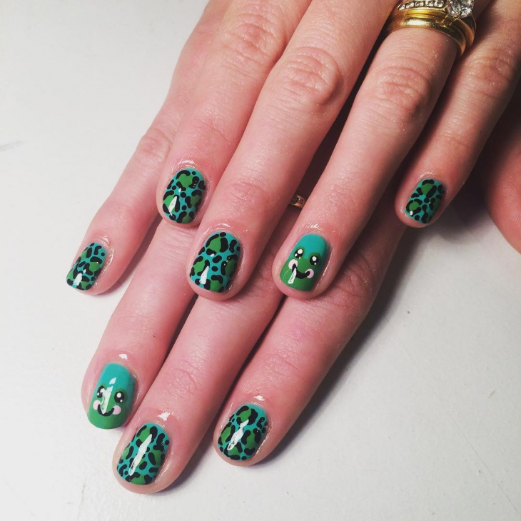 Top 12 Simple Nail Designs For Short Nails – Frog Leaopard Nail Art Design