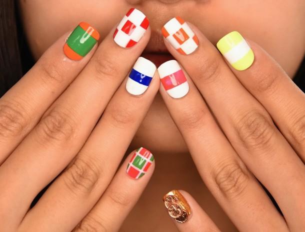 Top 12 Simple Nail Designs For Short Nails - Geometrical Nail Art Design