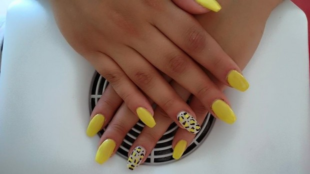 Top 12 Simple Nail Designs For Short Nails , Yellow Nail Art