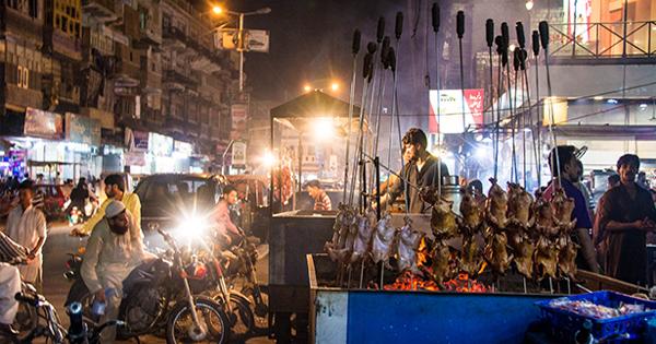 Buns Road Karachi – Top 10 Food Streets In Pakistan