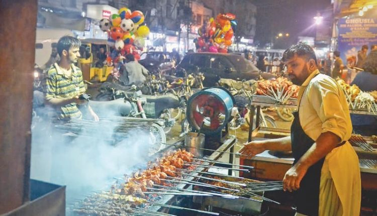 Hussainabad Food Street Karachi – Top 10 Food Streets In Pakistan